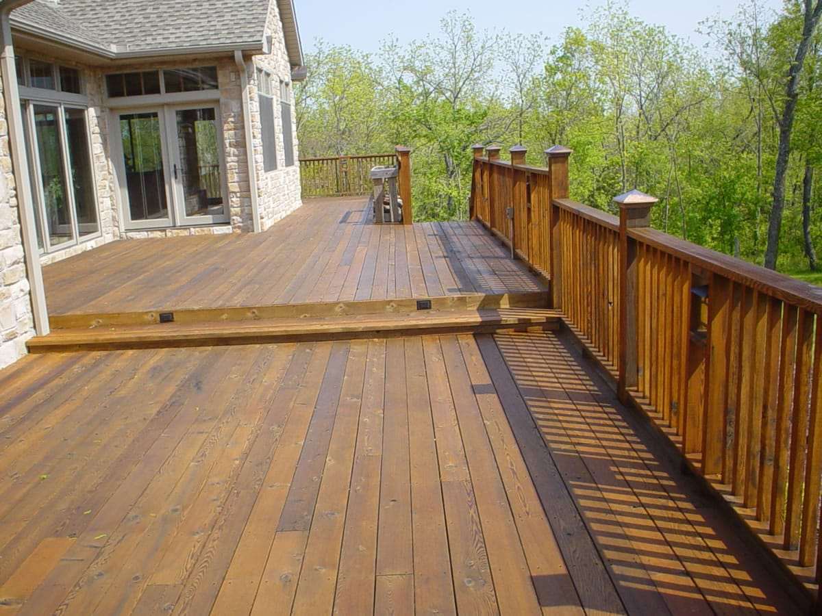 deck staining in Chantilly, VA